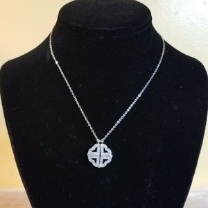 Jewelry - Detachable Magnetic Clover/Heart Necklace